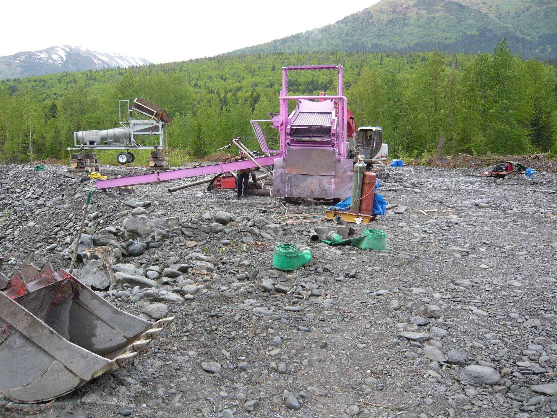 080614 The Pink Rig